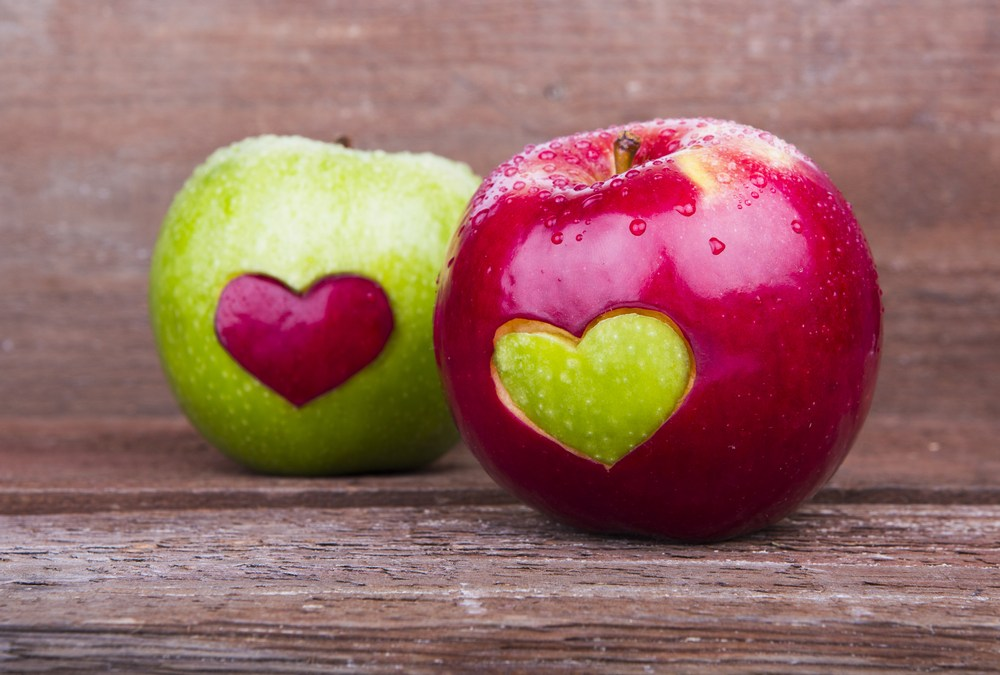 apple-heart-valentines-food