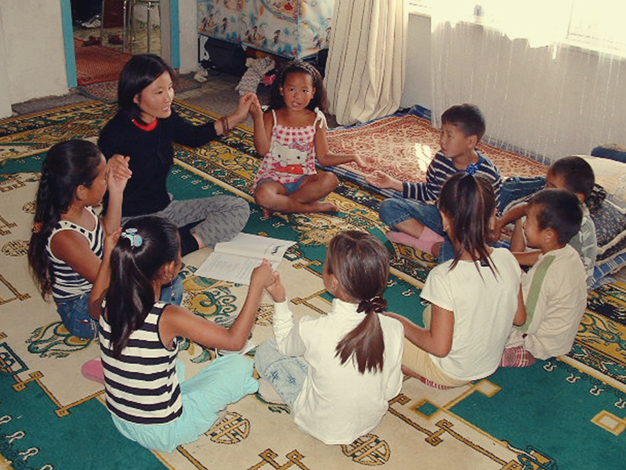 Bahai children's class in Ulaanbatar, Mongolia