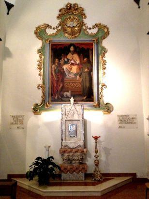 F San Pietro antico tabernacolo e pala d'altare