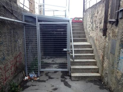 L'attuale scaletta per accedere a Via Pra'