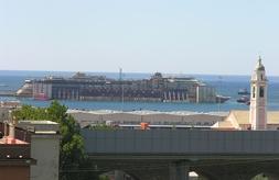 La Concordia ormeggiata nel Porto di Pra'