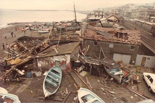 Il cantiere navale Ferrari distrutto