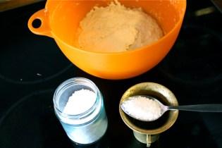 Saltet tilsettes etter autolyse