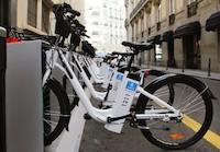 La bici eléctrica es una alternativa a los medios de transporte tradicionales por ciudad.