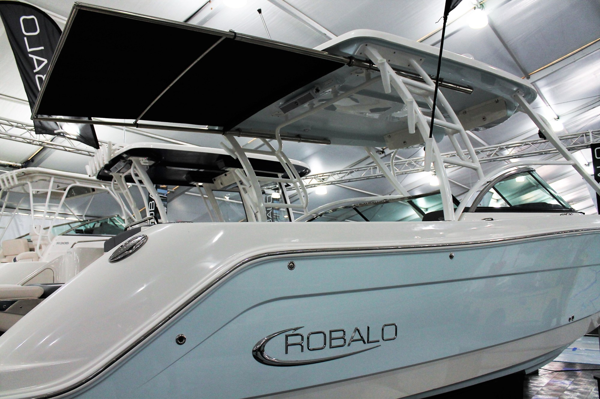 hight resolution of robalo boats