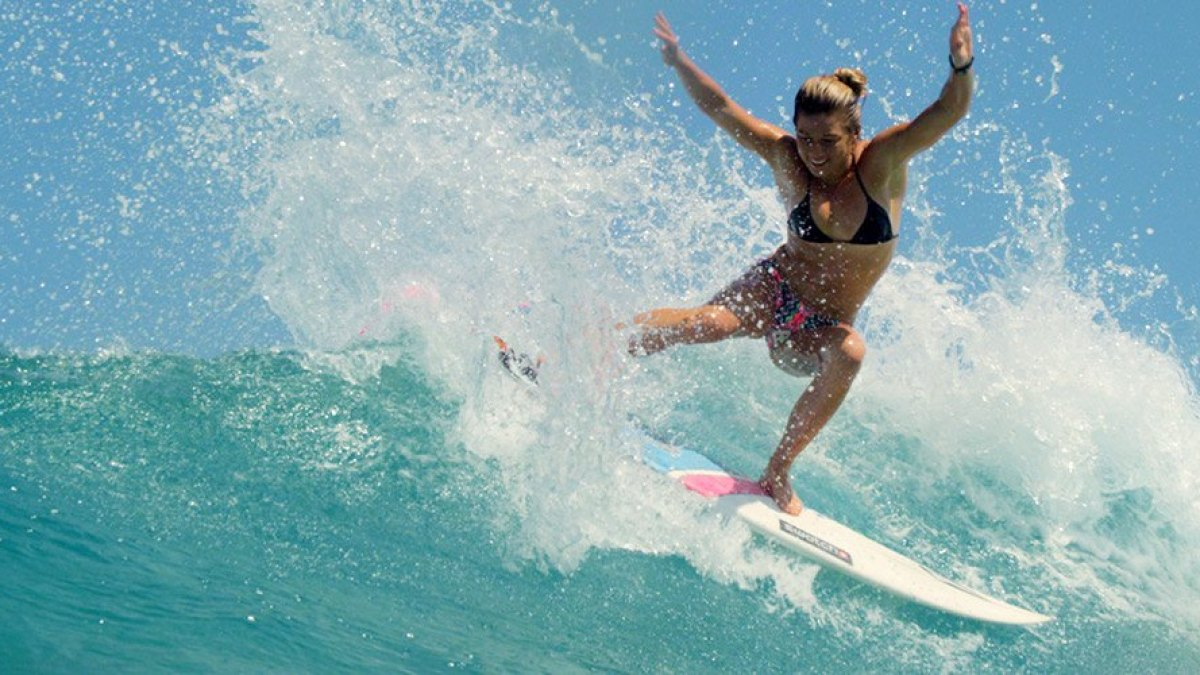 9 Women in Surf You Need to Know