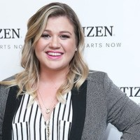 Kelly Clarkson Plastic Surgery Before After, Breast Implants
