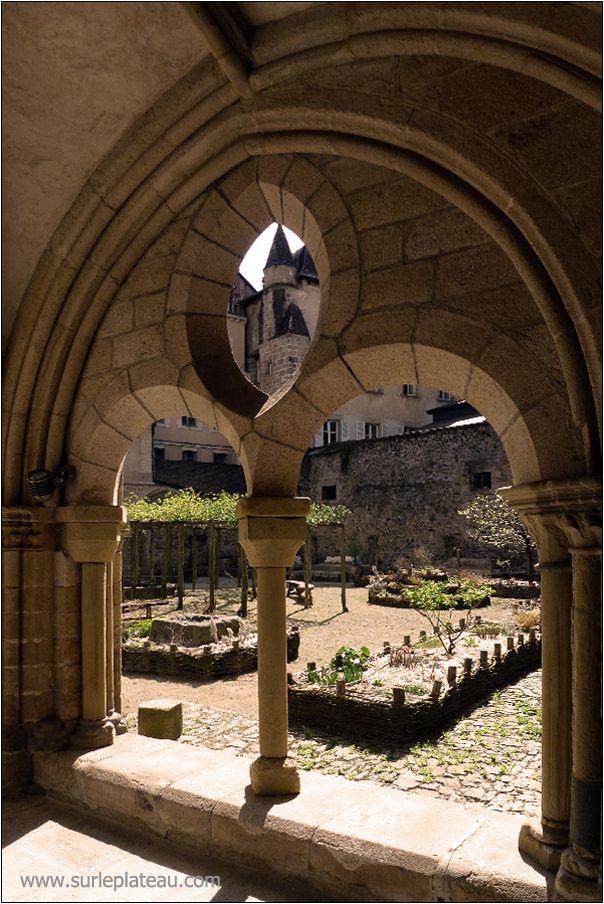 Jardin du Musée du Cloitre à Tulle   Jacques Luce Photographies