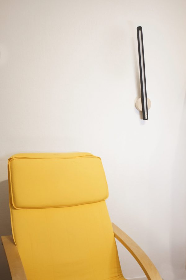 Lampe applique LED frêne bois brûle