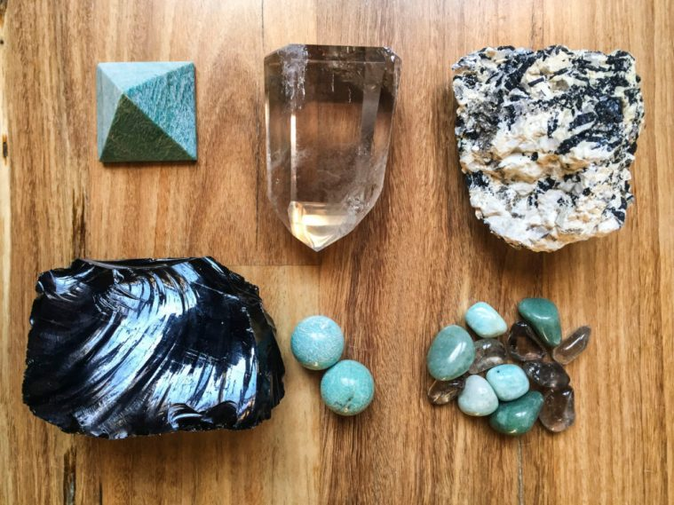 Crystals for protection against electromagnetic smog