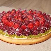 Tarte aux fruits rouges et pistache, crème mascarpone à la vanille