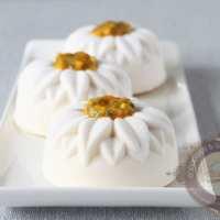 Fleur exotique (entremets mangue passion vanille)
