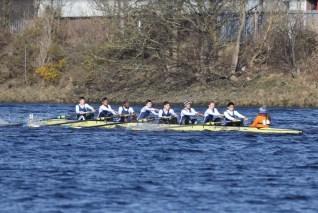 The beginner men racing.