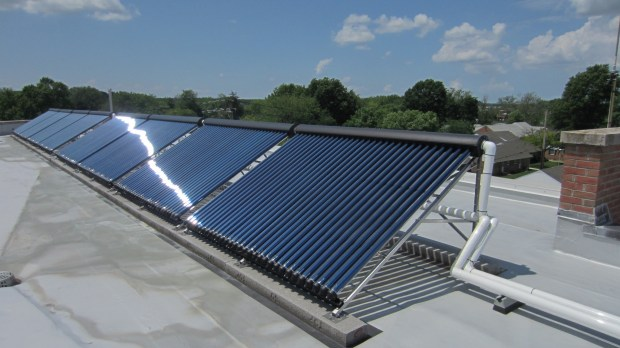 How Do Solar Hot Water Systems Work ?