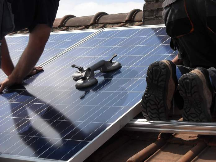 Want to Buy Solar Panels? Here are 6 Things You Should Know First
