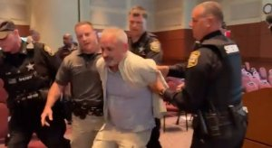Parents Protesting CRT at Loudoun County School Board Meeting Declared Unlawful Assembly – Sheriff Deputy Makes at Least Two Arrests (VIDEO)