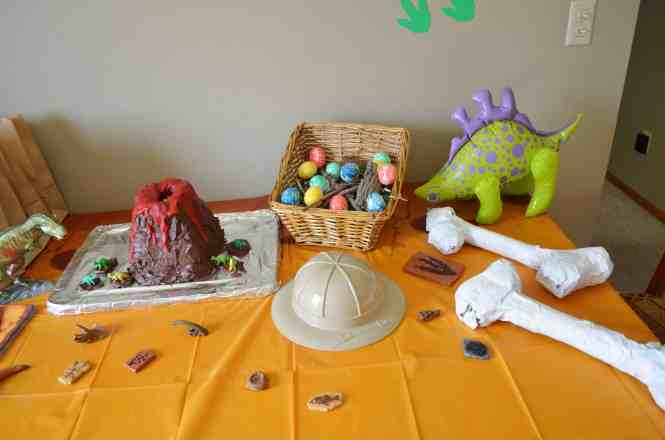 Dinosaur Party Decorations Eviteparty In A Box