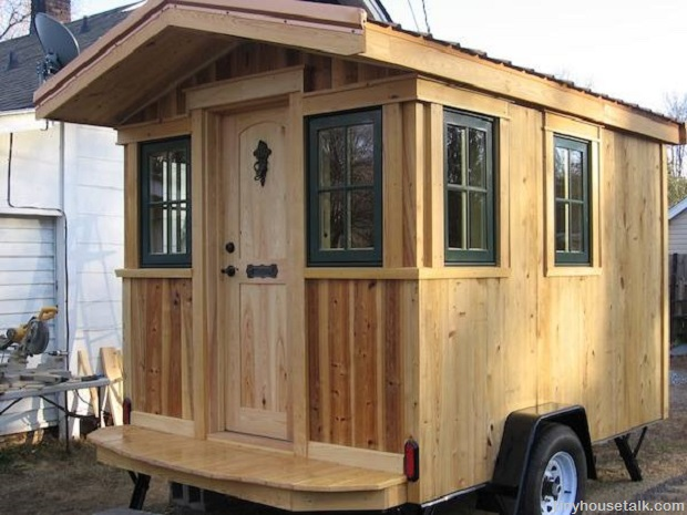 Frank's DIY Micro Cabin on Wheels