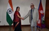 भारतीय बिदेशमन्त्री स्वराज र एमाले अध्यक्ष ओलीबीचको गोप्य भेटमा यस्तो भयो कुराकानी