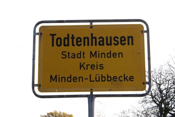 Ortseingangsschild Todtenhausen
