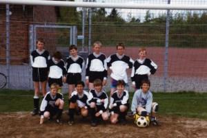 D-Jugend 1991 H.v.l. Stefan Kaiser, ???, Andreas Wellie, Oliver Gabriel, Andre Kaiser, Timo Zimmermann. V.v.l. Markus Gerstmann, Hamudi Kasabto, Marco Bouma, ???, Marco Gebhardt.