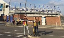 Nikolai Berz und Marcel Siering vorm Stadion des FC Everton Goodison Park in Liverpool 14.04.2016