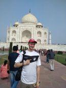 Anton Funke vor dem Taj Mahal in Agra Indien am 19.11.17