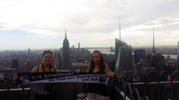 Leonie und Jana Kröner in New York City auf dem Top of the Rock am 03.08.2018