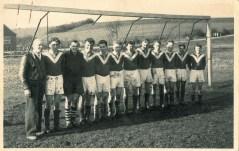1. Mannschaft 1957 in Bremen 4.v.r. Friedel Westerhoff