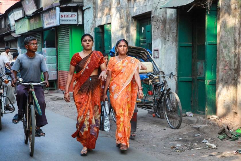 frauen saree sari kalktta kolkata indien