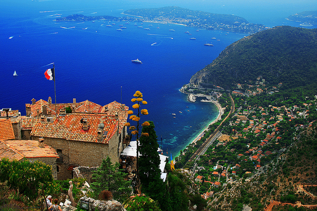 Eze, Valdiney Pimenta via Flickr creative commons