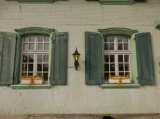Detail, windows Hotel Baren