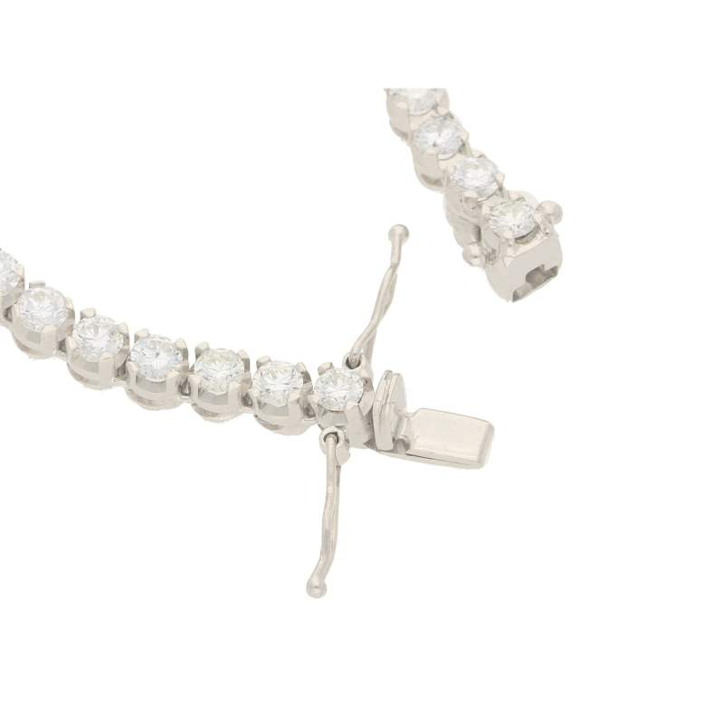 Graduated riviere diamond necklace in white gold