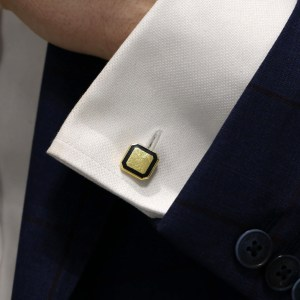 18ct gold and enamel black chain link cufflinks