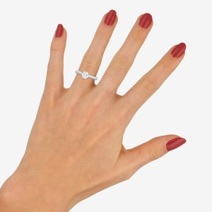 Solitaire diamond engagment ring 0.74 carats