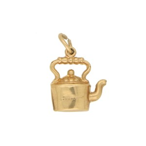 Vintage Tea Pot Charn in Yellow Gold