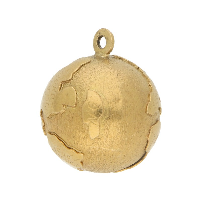 Vintage Globe Charm in 18k Yellow Gold