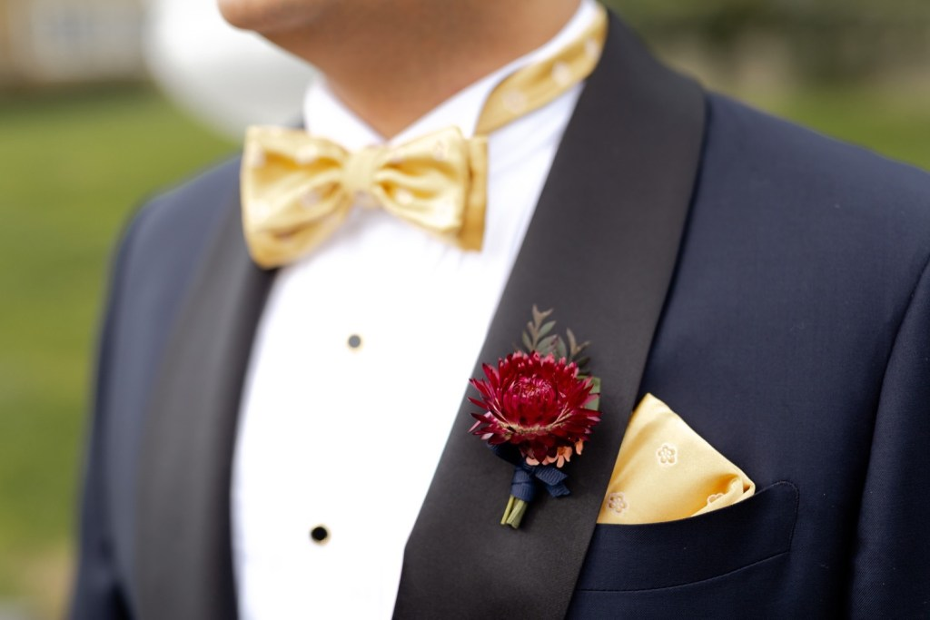 A groom's boutonniere.
