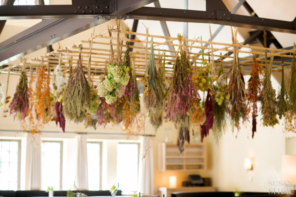 the dried flower decor at blue hill stone barns