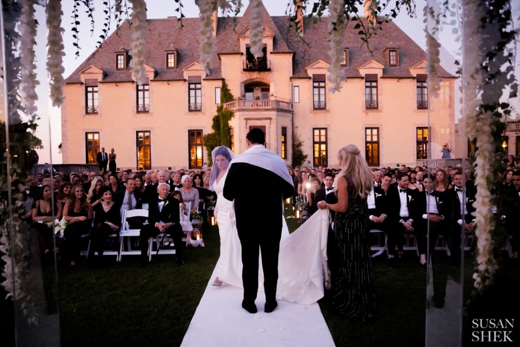 circling around in the ceremony is a beautiful jewish wedding tradition