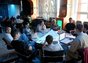 1024px-Wikimedia_Conference_Berlin_-_Developer_meeting_(7700)