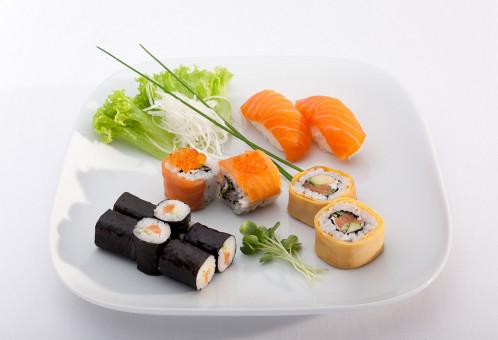sakura sushi delivery service leipzig