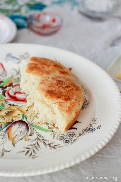 Best biscuit recipe susie davis for Table 52 biscuit recipe