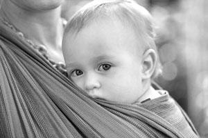 Porteo ergonómico y uso seguro de portabebés