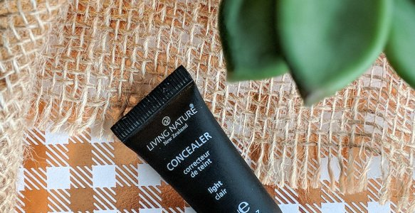 Living Nature Concealer Review