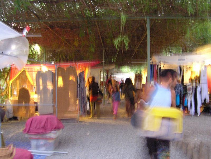 Ibiza Hippie-Markt: beim Abbauen