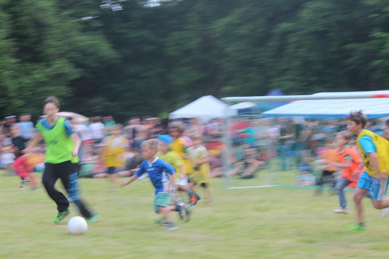 Kommando Cup: Turnier der Jüngeren, Kampf um den Ball