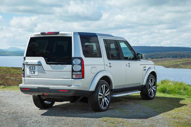 Comparison  Land Rover LR4 2016  vs  Toyota Land
