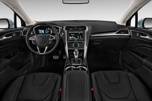 Comparison  Ford Edge Sport 2016  vs  Audi Q5 SUV 2015