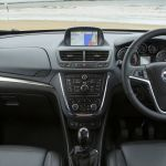 Comparison Peugeot 3008 Gt 2017 Vs Vauxhall Mokka 1 7 Cdti 2014 Suv Drive